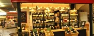 la boutique et les bouteilles des compagnons cavistes